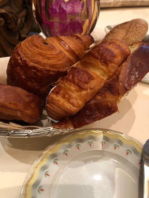 パリでとっておきの朝食をいただけるのはこちら。_1_1-2