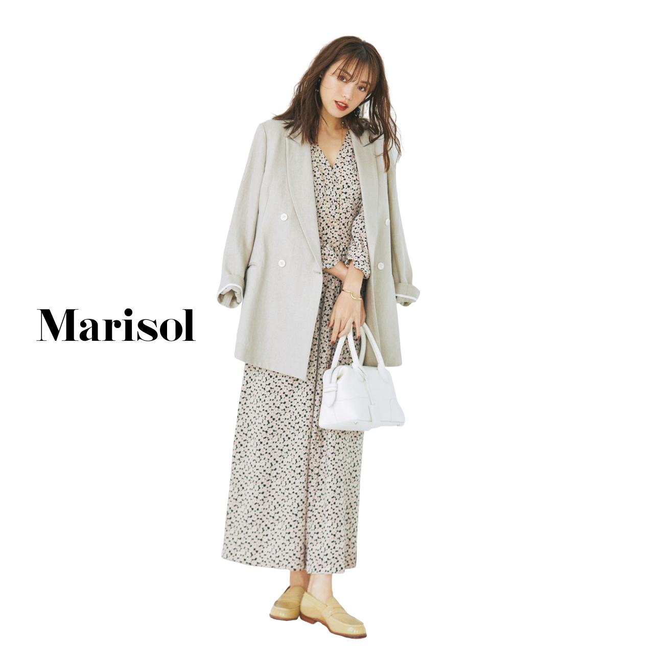 40代ファッション ロングジャケット×小花柄ワンピースコーデ