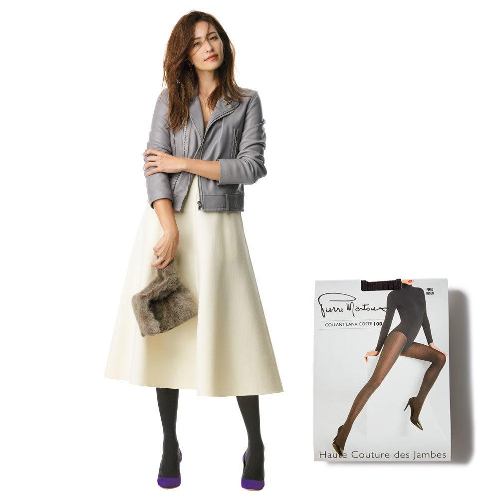 ジャケット×白スカートのファッションコーデ