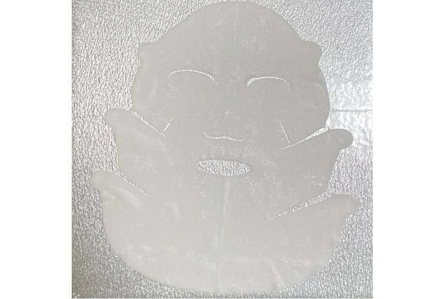 カネボウのスマイルパフォーマーにはフェイスラインだけではなく頬と口角を強力に引き上げるために2つのバンドがついているんです