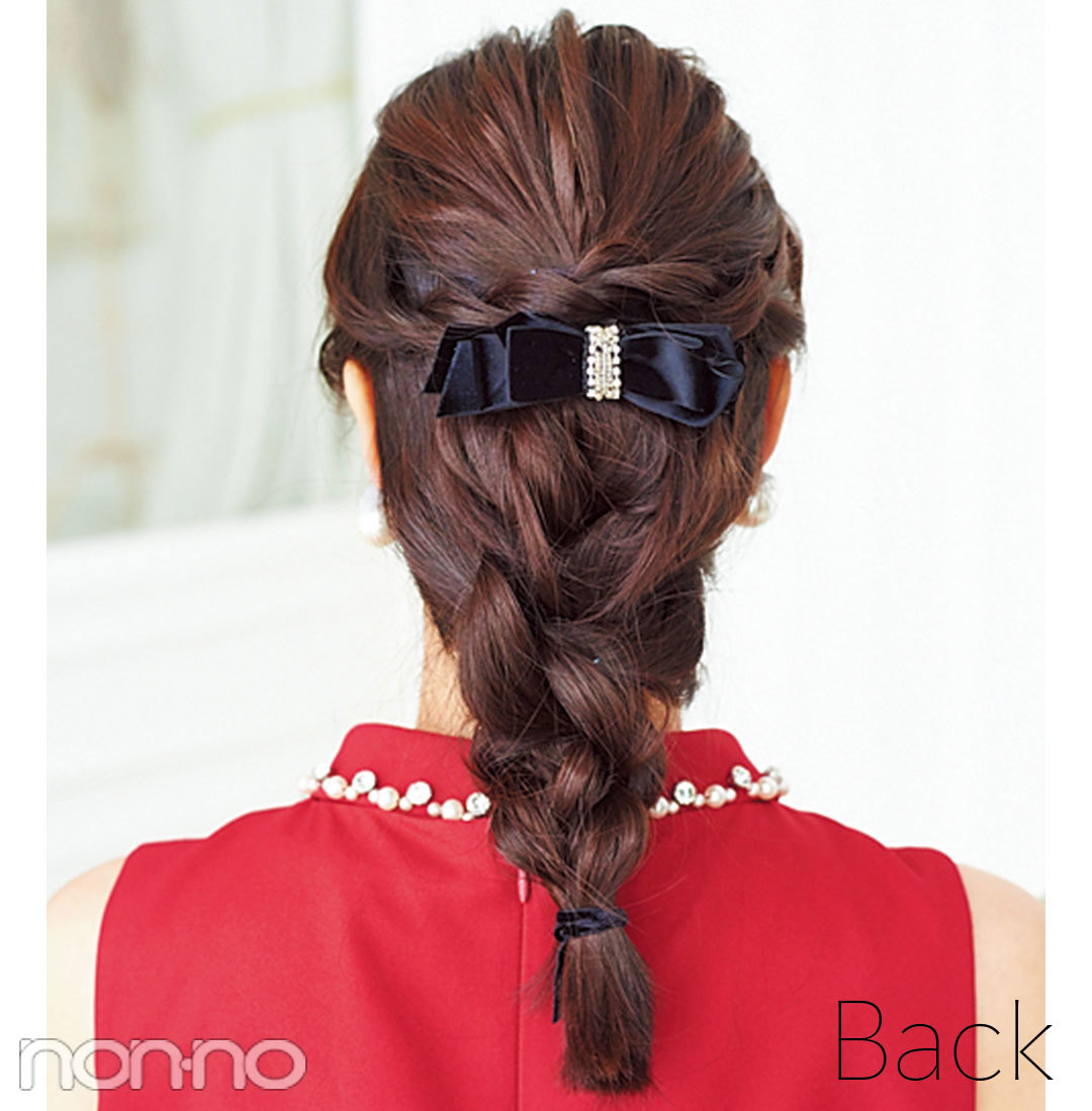 大人フェミニンな三つ編みでフォーマルに! ドレスの日のヘアアレンジ_1_3