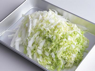 白菜をたっぷりいただく! ゆで卵と練り物、白菜の鍋【絶品鍋レシピ28days】_1_2
