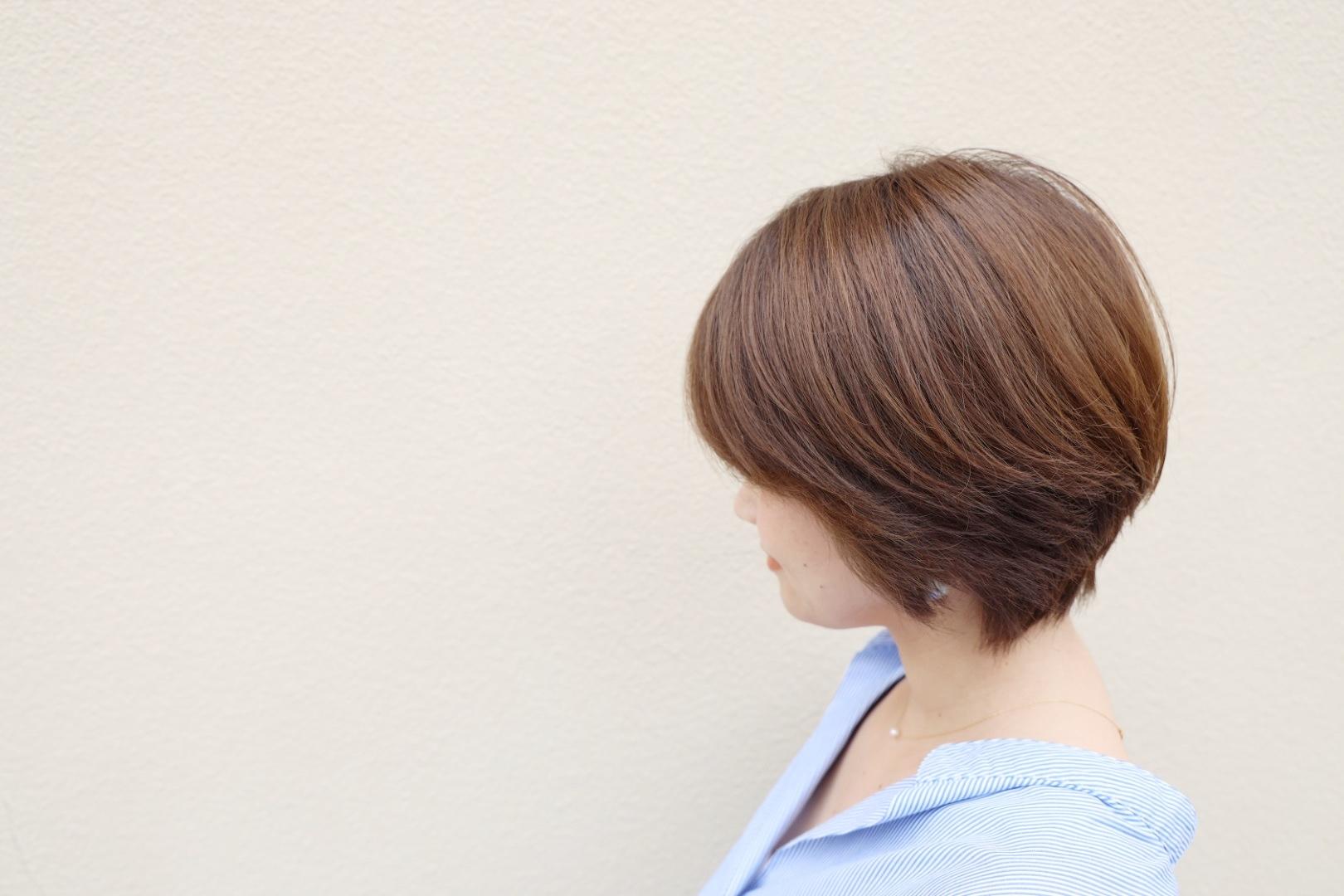 「外出自粛中でヘアサロンに行けない」問題を改善!髪の褪色をカバーする簡単ホームケア_1_3-2