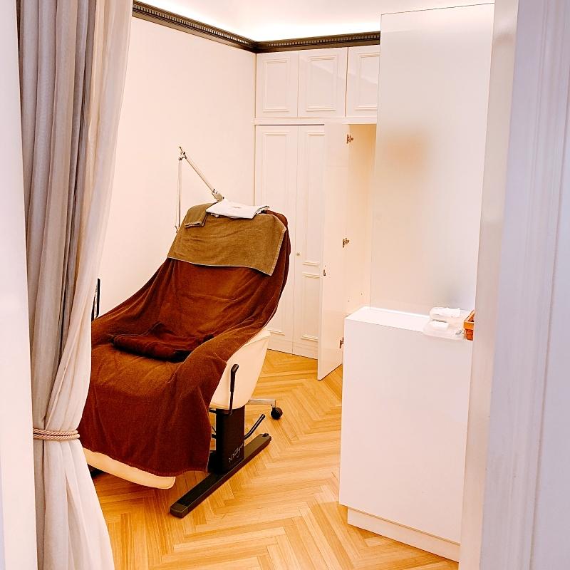 ケサランパサランの顔の土台作りは個室で施術してくれるから安心