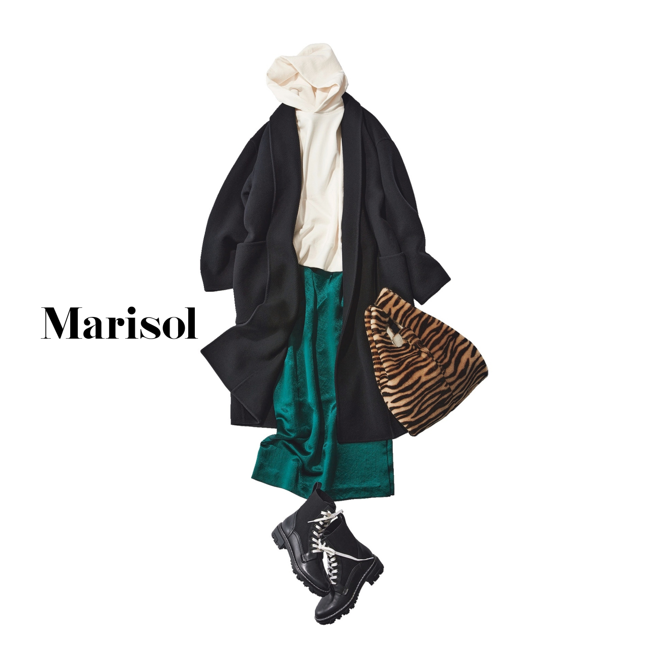 40代ファッション フーディ×スカート×ブーツコーデ
