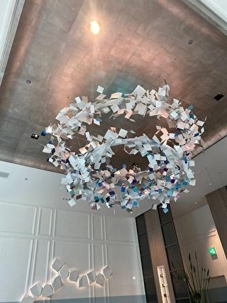 和紙を使った天井のオブジェ