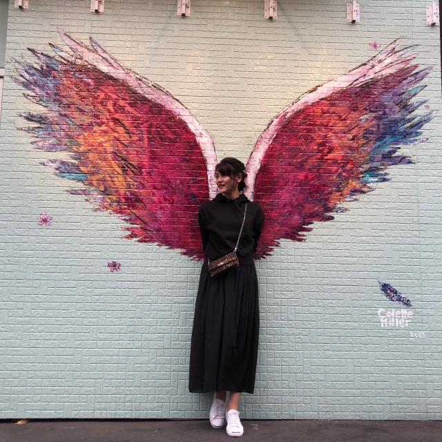 店外の壁でも勿論写真を撮って来ましたよ(*≧∀≦*) 羽根があったら、撮りたくなりますね♬