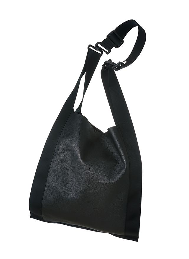 馬場麻衣子さんのバッグ