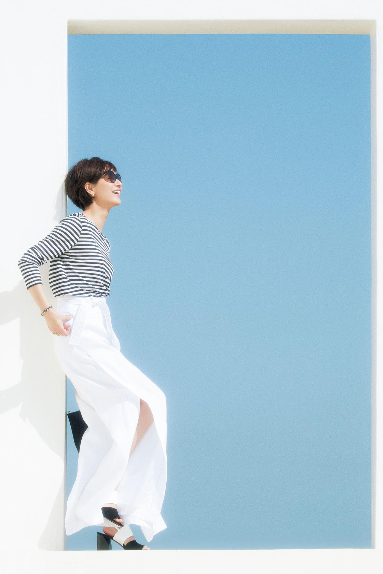 大人の初夏はこの素材から!富岡佳子、麻のパンツに魅せられて 五選_1_1-1
