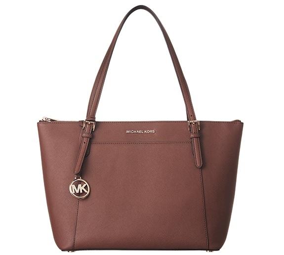 玉城絵美さんのバッグ