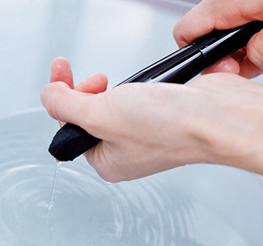 肌荒れ、くすみの原因は汚いメイクツールのせいかも!メイクツールの正しい洗い方まとめ