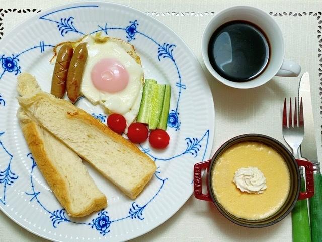 焼きたてパン朝食