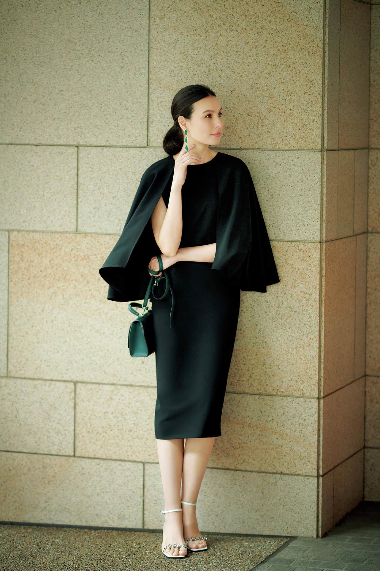 エクラ世代を輝かせるデザインを厳選。同窓会に行くなら「華ブラックドレス」  五選_1_1-3