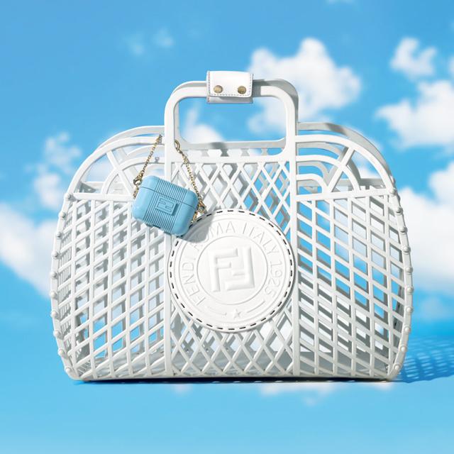 フェンディの「フェンディ バスケット ミディアム」¥68,200