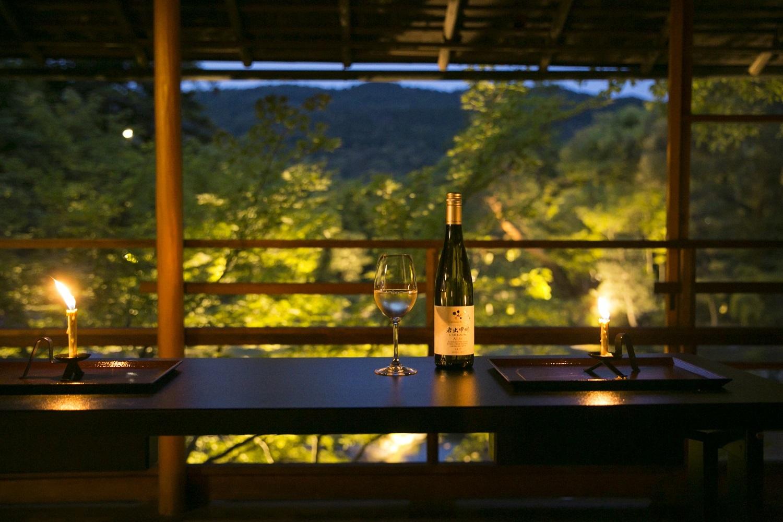 素晴らしい日本庭園を眺めながら、日本ワインを味わう……シャトー・メルシャン『Tasting Nippon』イベントレポート【飲むんだったら、イケてるワインWEB特別篇】_1_1