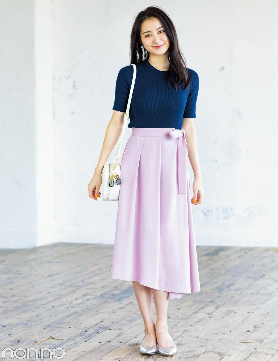 【夏のロングスカートコーデ】高田里穂は、キレイめアシンメトリースカートでふくらはぎカバー!