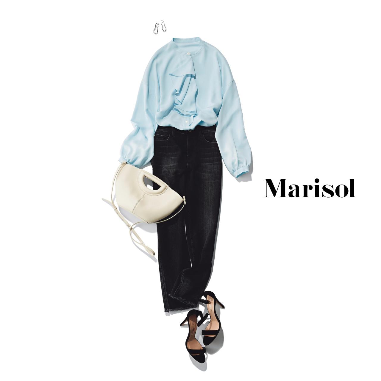 40代ファッション ライトブルー×パンツ コーデ
