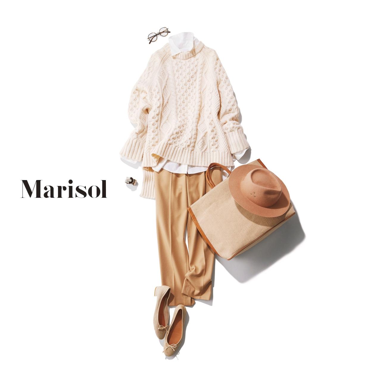 40代ファッション 白シャツ×オフ白ニット×ベージュパンツコーデ