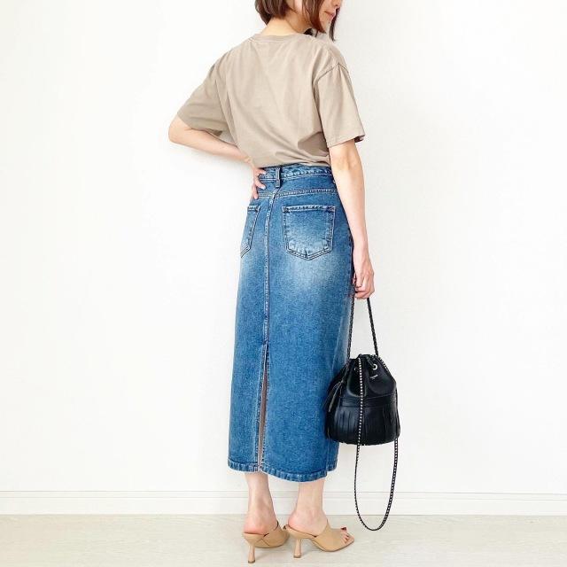 夏セール!秋まで使えるベージュロゴTシャツ【tomomiyuコーデ】_1_4