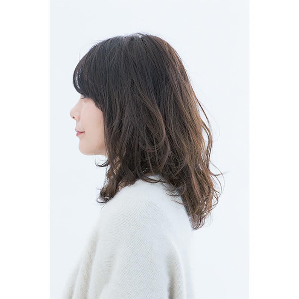 横から見た 人気ミディアムヘアスタイル3位の髪型