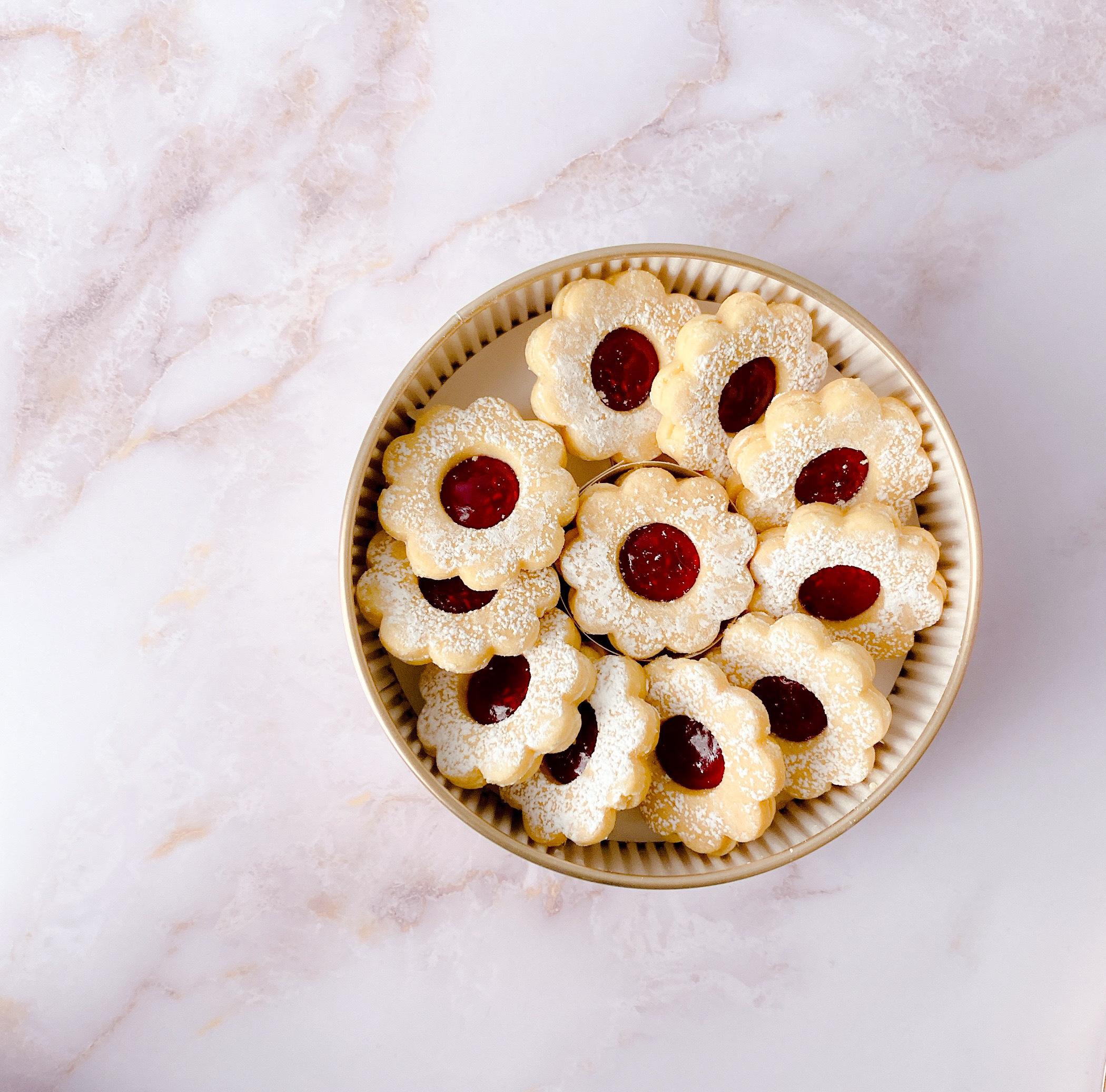 本店でしか手に入らない! マールブランシュのお花型クッキー「手作りジャムのデザートクッキー」
