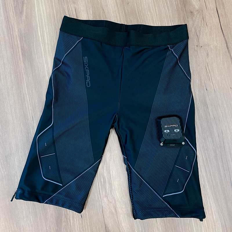 SIXPADのPowersuitLiteHip&Legはヒップと太ももを同時に引き締められるEMSトレーニングスーツ