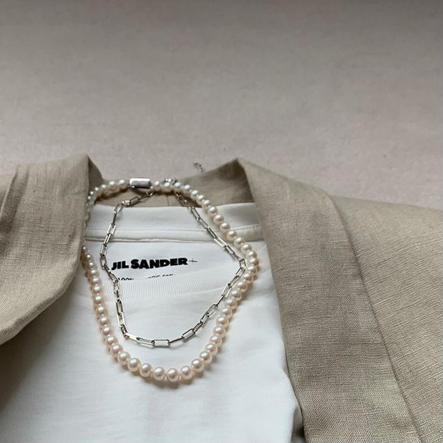 定番「白Tシャツ」の着こなしを更新! アラフォーがこなれて見えるコーデ術まとめ 40代ファッション_1_6