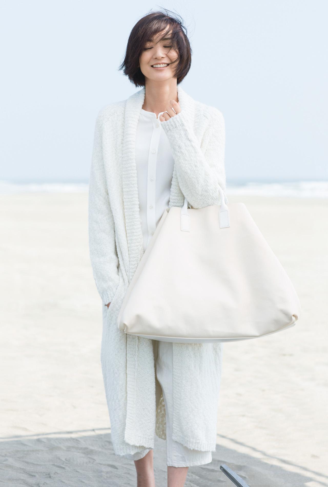 富岡佳子 、ウインターホワイトに包まれて 五選_3_1
