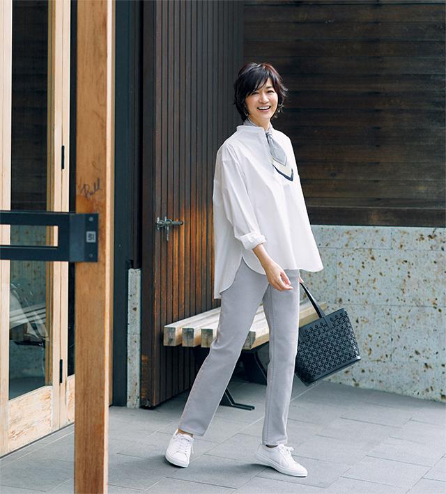 【White Shirt】バンドカラーのシャツはオーバーサイズで新バランスに