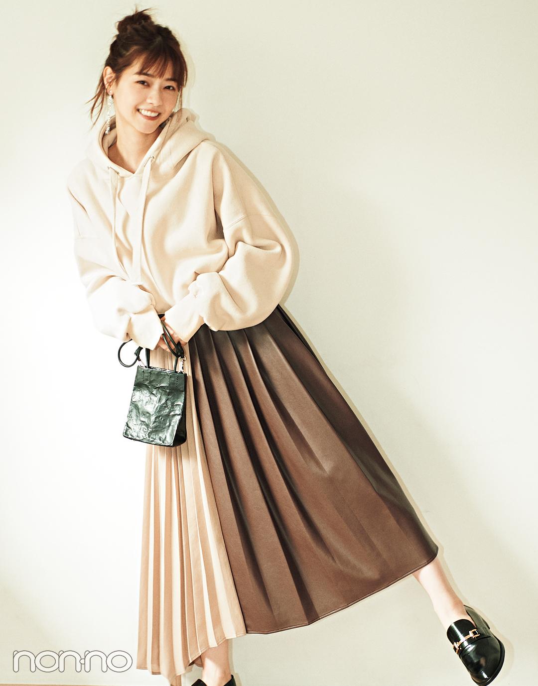 西野七瀬が着る「優しげレザー」、プリーツスカート、ジャンスカでこなれ見え♡_1_2
