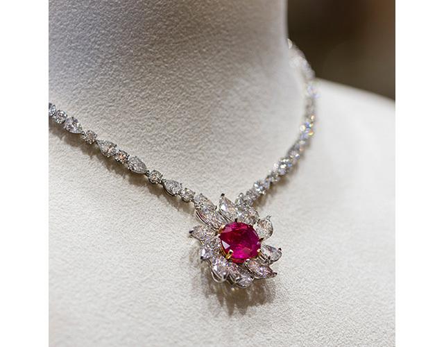 ルビー&ダイヤモンドネックレス¥371,800,000/FAIDEE