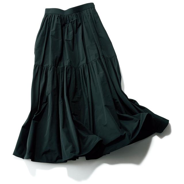 選ぶべきスカートは、ずばり黒