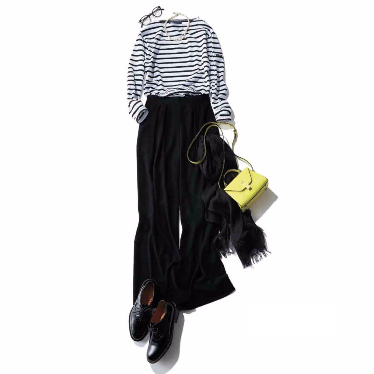 ボーダートップス×黒パンツのファッションコーデ