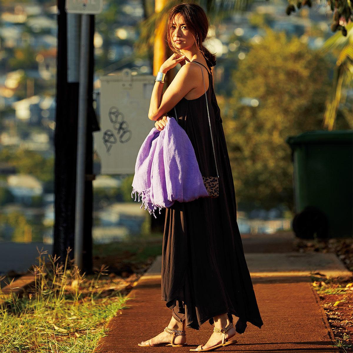 ブレンダが着る大人が目指したい5つのカジュアルスタイル_フェミニンなカジュアル