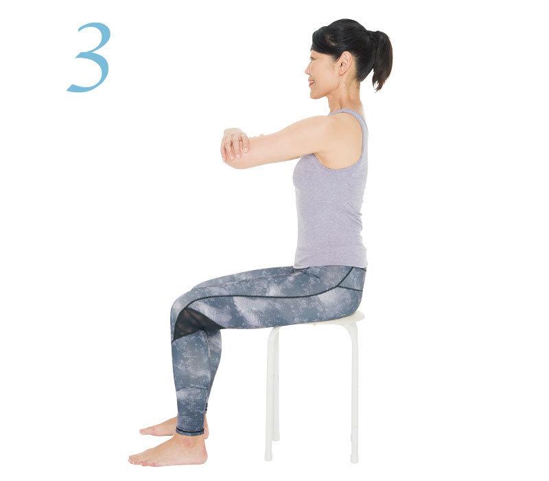 体幹と肩甲帯を別々に動かせるようにする1:上下左右に腕を動かすエクササイズ3