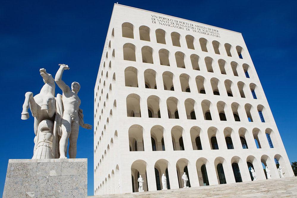 ローマのイタリア文明宮に置かれるフェンディ本社