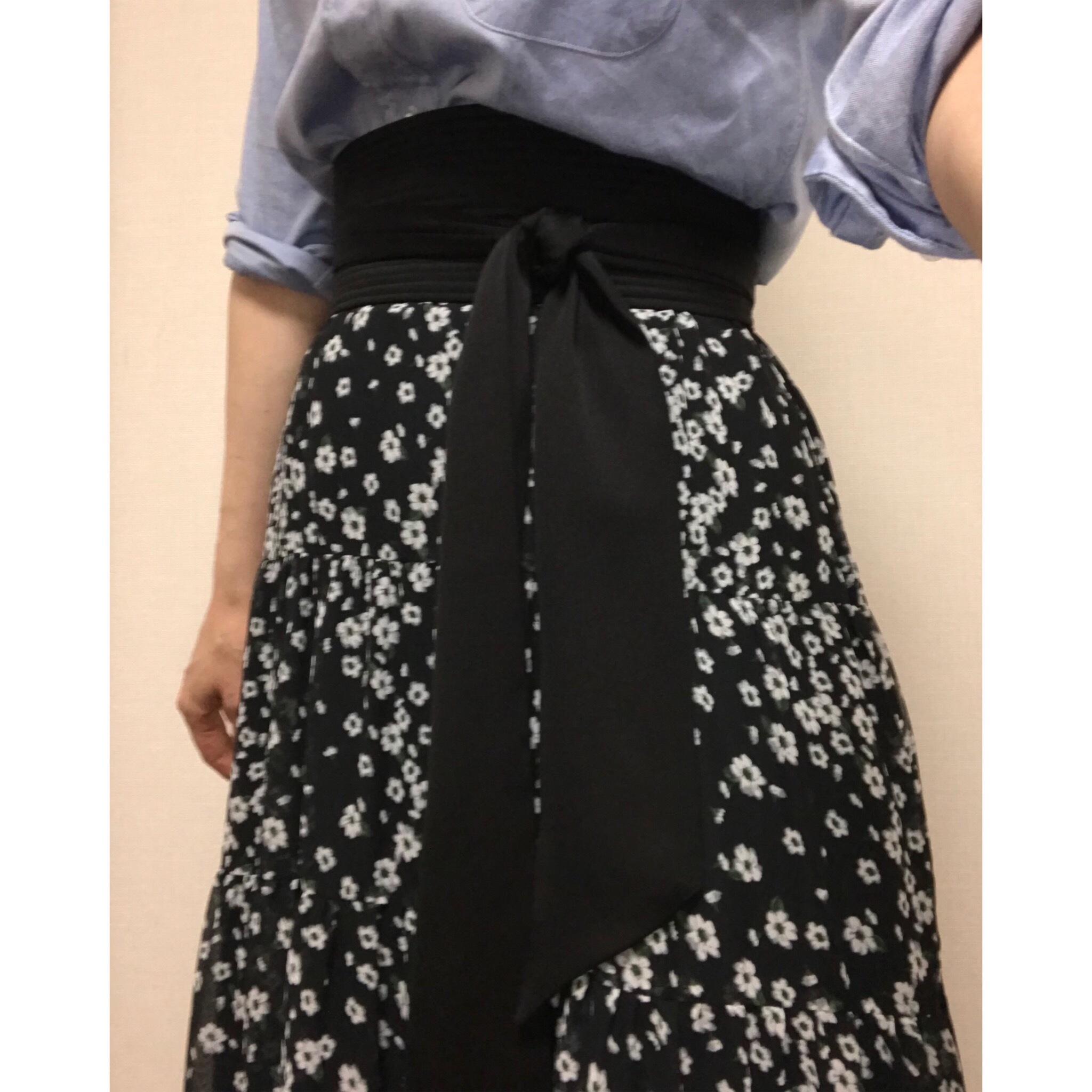 小さな花柄。ロマンティックな気分になれる ♫ SHE tokyoのスカート_1_2-4