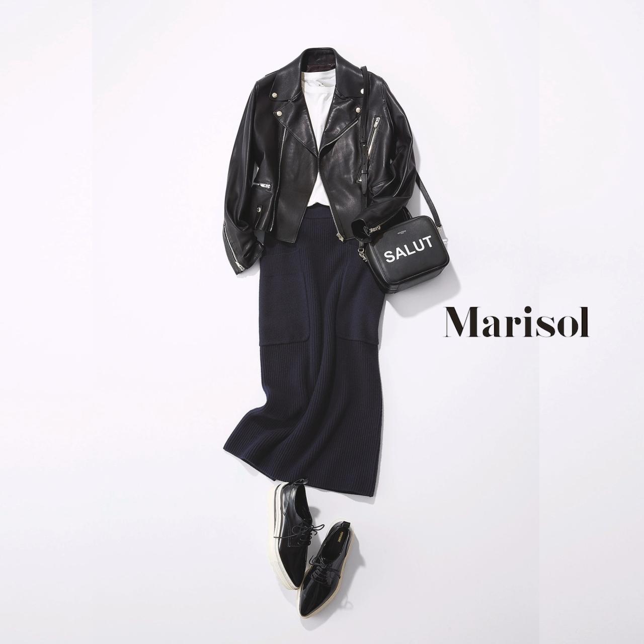 40代ファッション 黒レザーブルゾン×ネイビータイトスカートコーデ