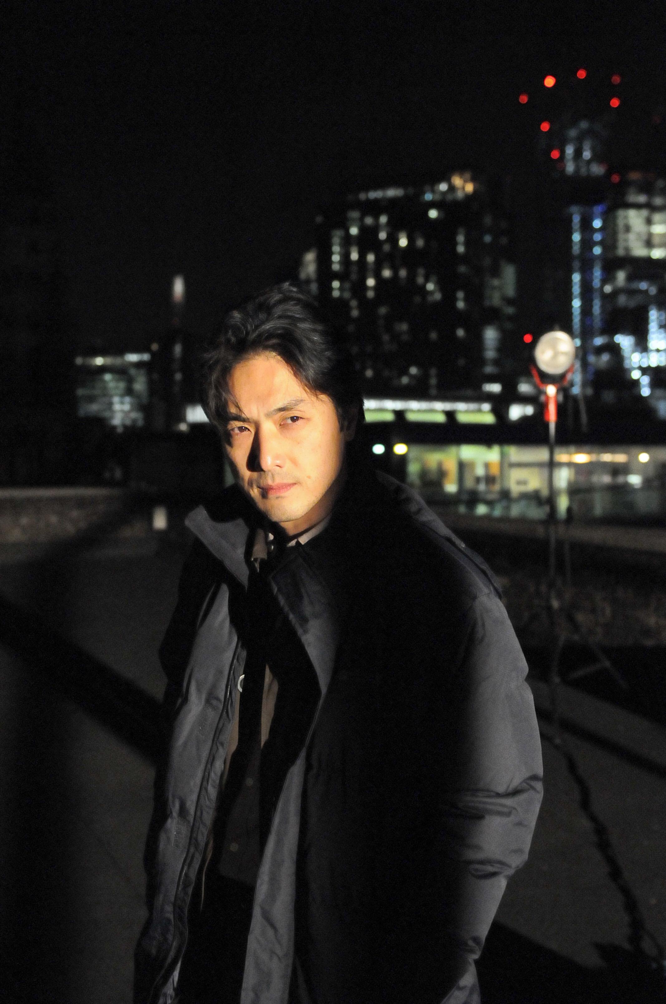 ハマること必至の英国ドラマ「Giri/Haji」。平岳大さん、厳寒ロンドンでの撮影は……。_1_1
