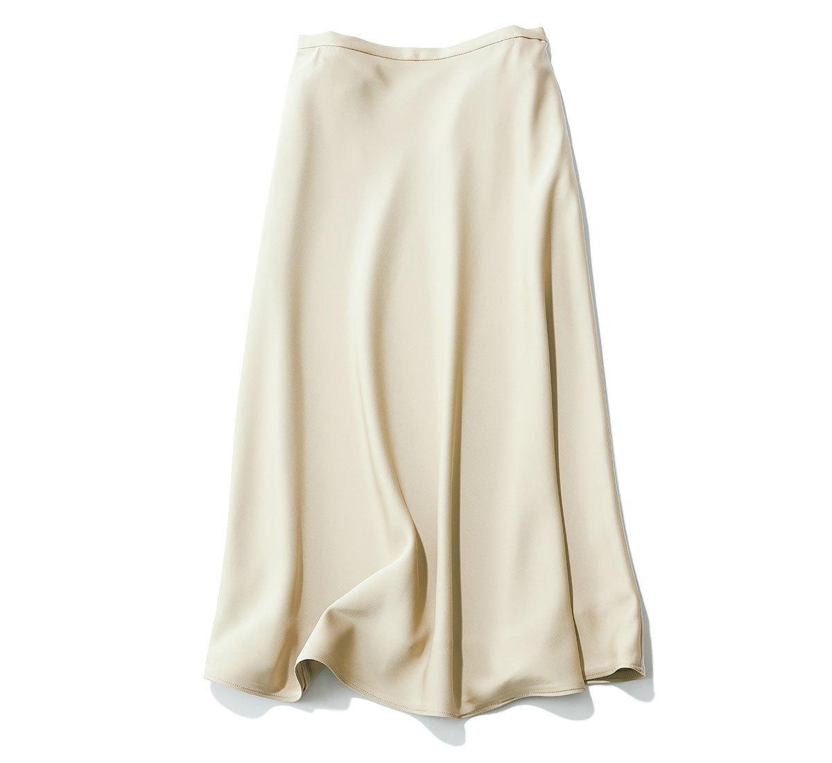 きれいめ好きの買うべきツヤ素材のナロースカート_5