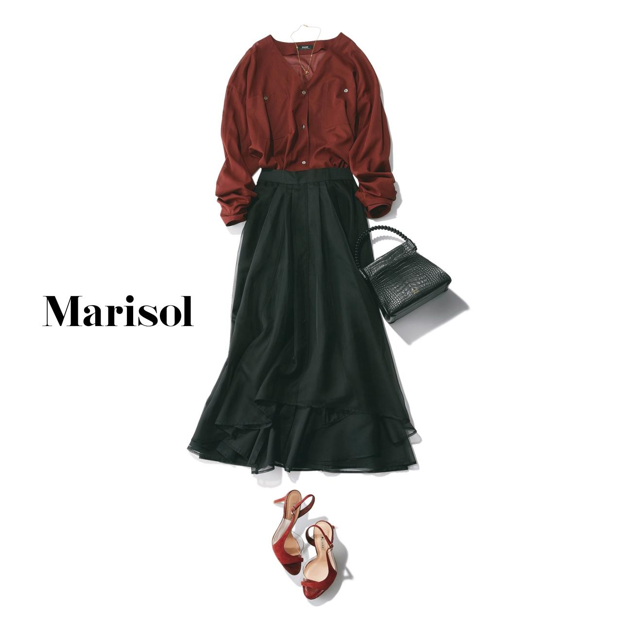 40代ファッション ワイン色ブラウス×黒スカートコーデ