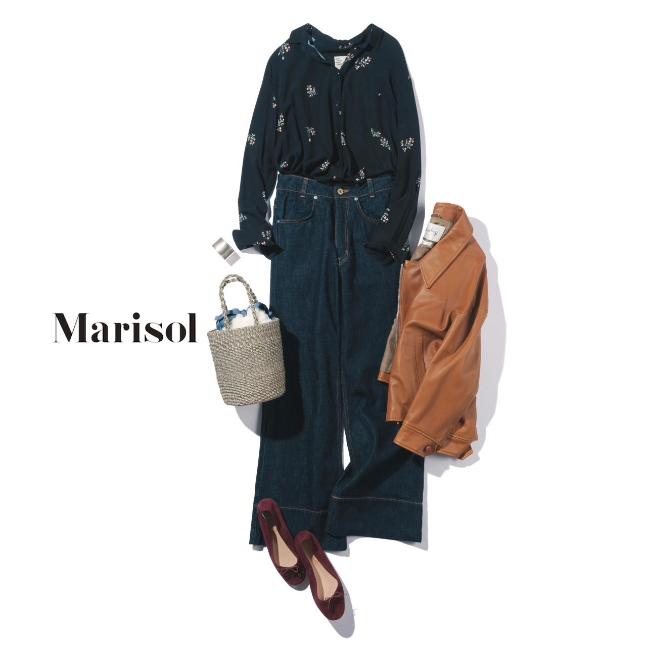 40代ファッション 花柄シャツ×デニムパンツコーデ
