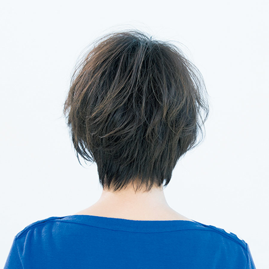 フェミニン派はマッシュフォルム×ふんわりパーマを合わせて【40代のショートヘア】_1_1-3