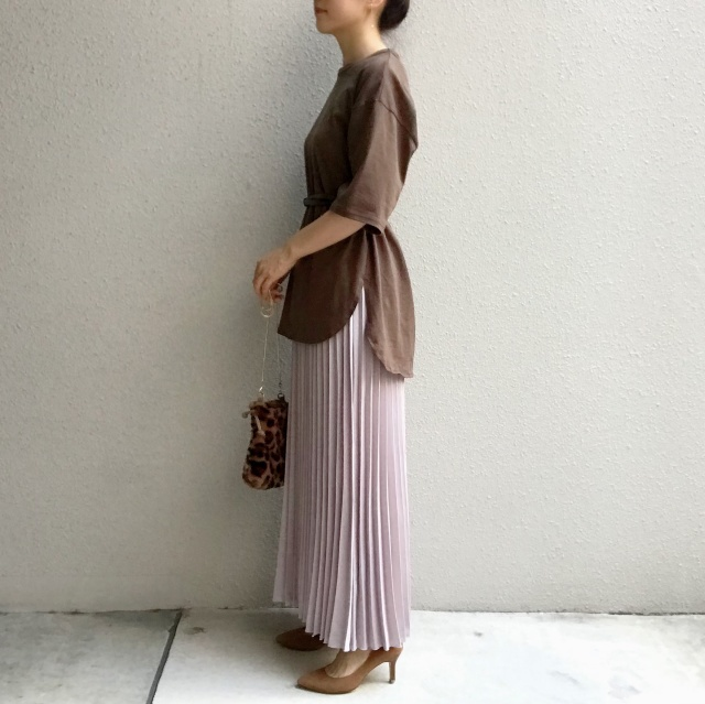 揺れ感が美しいプリーツスカートの足元の正解は?_1_6