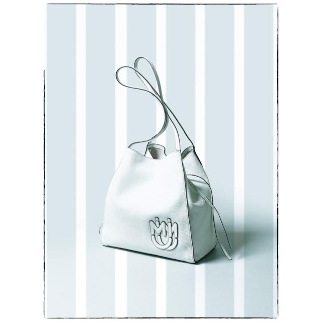 ミュウミュウの マドラスレザートートバッグ