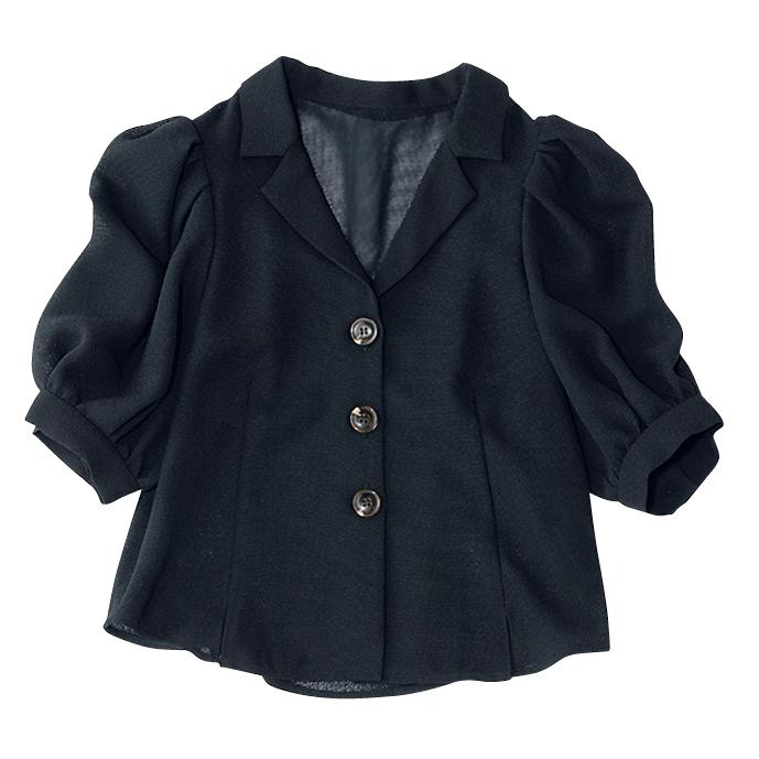 黒の開襟パフ袖ブラウス