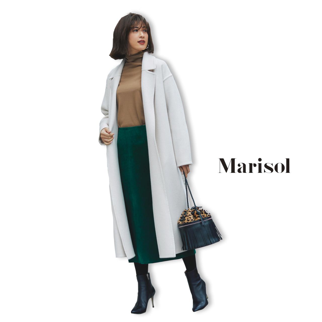 40代ファッション ホワイトロングコート×タートルネックニット×タイトスカートコーデ