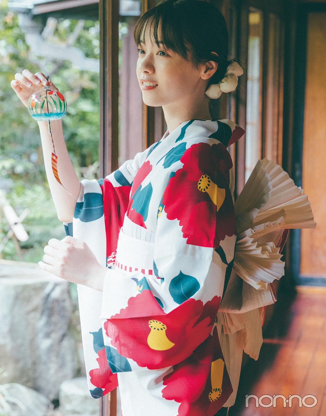 西野七瀬の「椿柄」の浴衣1
