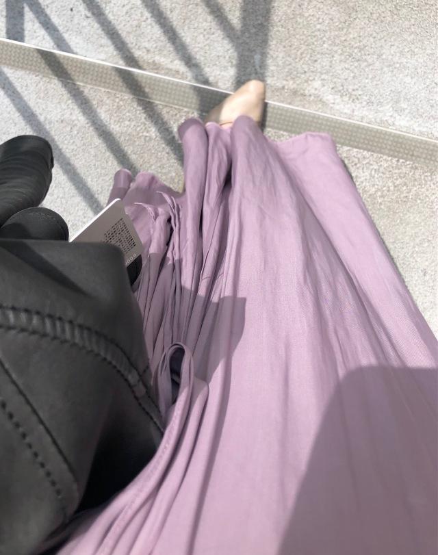 Mila Owenのサテンマキシ丈スカート