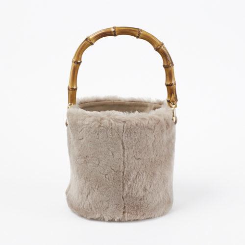 ファーやムートン、冬素材バッグで迎える新しい季節_1_1